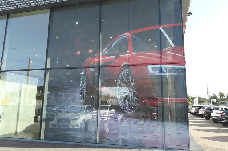 décoration adhésive impression pose adhésif vitrine vitrophanie nantes bouguenais communication publicité